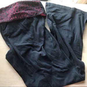 10/$15 Red Cheetah Yoga Pants